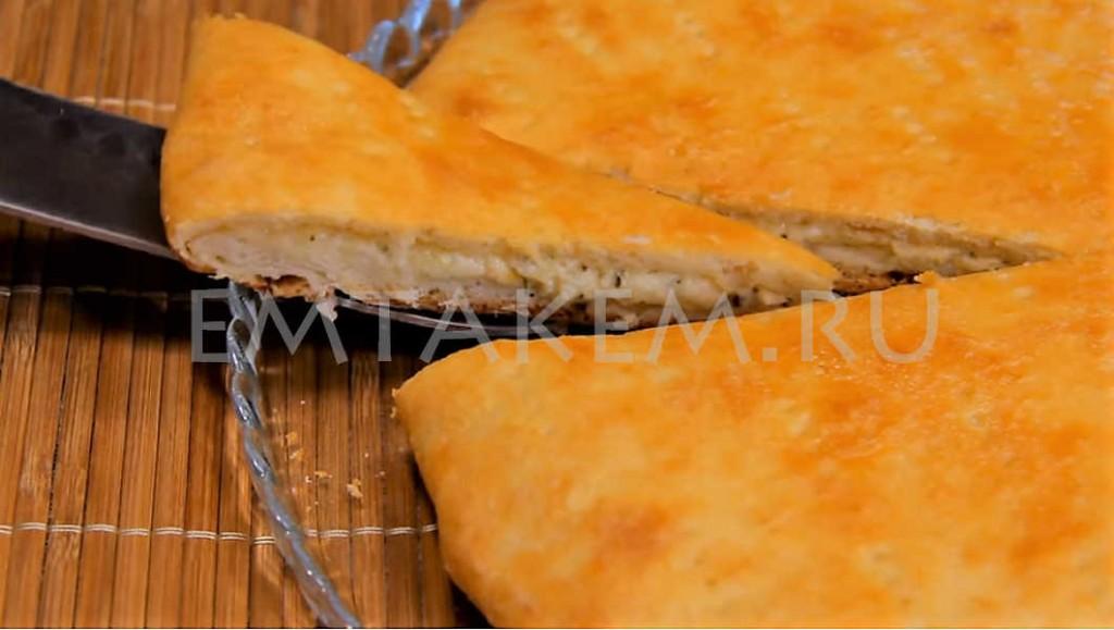 Пирог с начинкой из сыра
