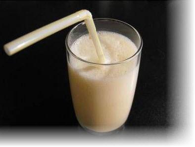 Чтобы приготовить молочный коктейль с бананом нам понадобится:Бананы - 2...