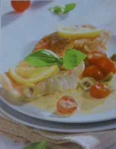 Филе окуня с помидорами